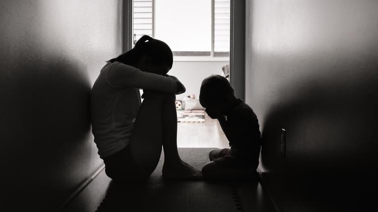 Er missbrauchte ihren Sohn - Mutter tötet pädophilen Nachbarn