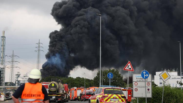 31 Verletzte, 5 Vermisste - Zwei Tote nach Mega-Explosion in Leverkusen