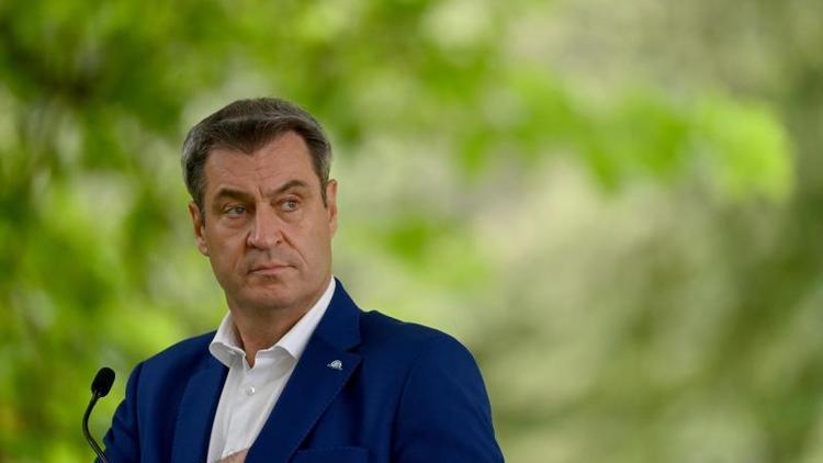 Nach Rüffel der Kanzlerin - Söder legt in Testpflicht-Streit nach