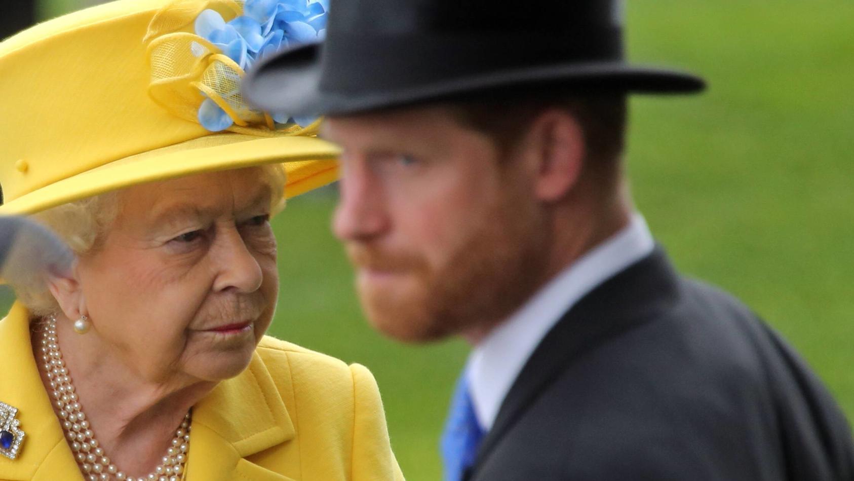 Hat die Queen Prinz Harry wieder von ihrem Feriendomizil ausgeladen?