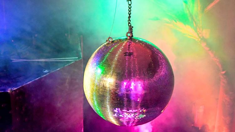 Corona-Liveticker - Inzidenz 10+: Clubs bleiben doch auf