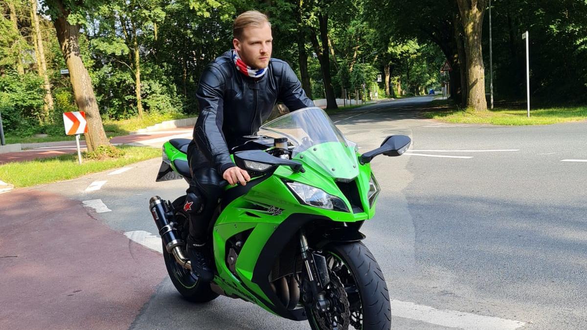 Der 21-jährige Mathias liebte sein grüne Kawasaki.