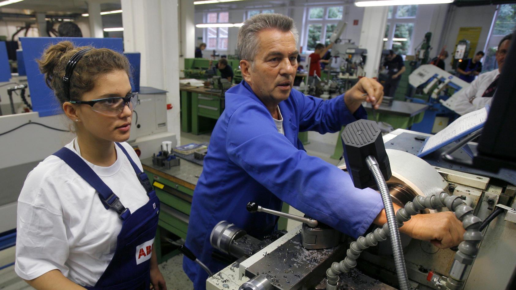 Im Juli gab es wieder mehr Jobs in Hessens Wirtschaft.  Symbolbild