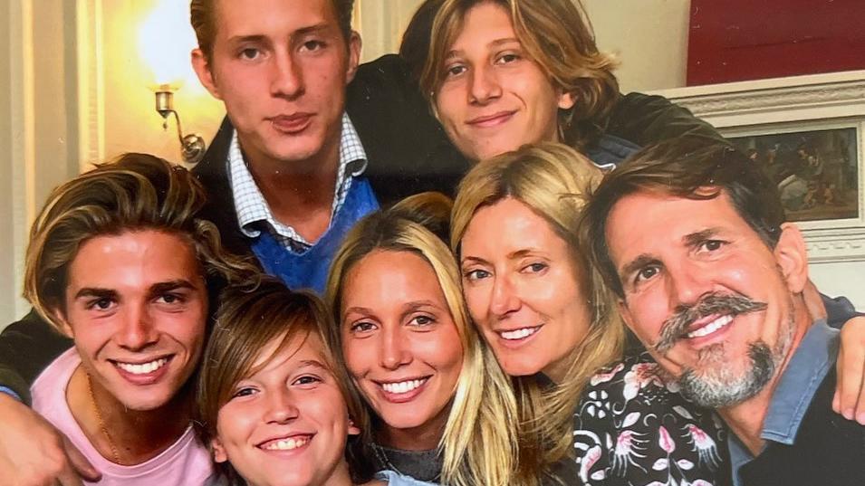 So hübsch ist die griechische Adelsfamilie.