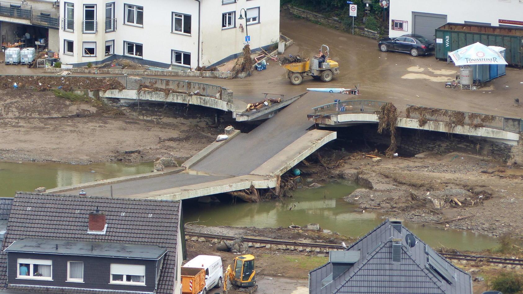 Dernau/Eifel: Die Flutkatastrophe hat hier und in allen anderen Hochwassergebieten immense Schäden verursacht.
