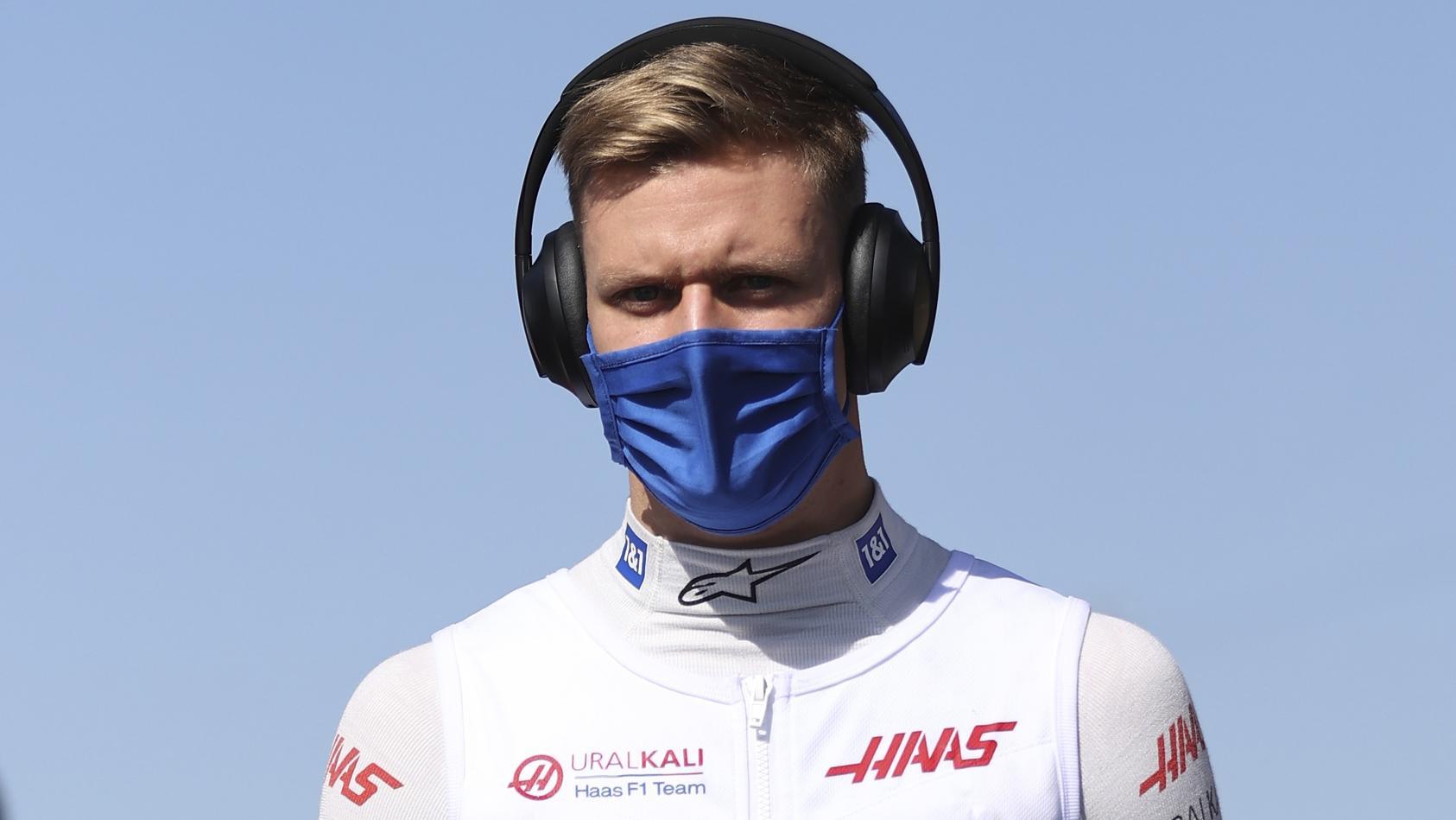 Mick Schumacher soll auch 2022 für Haas fahren.