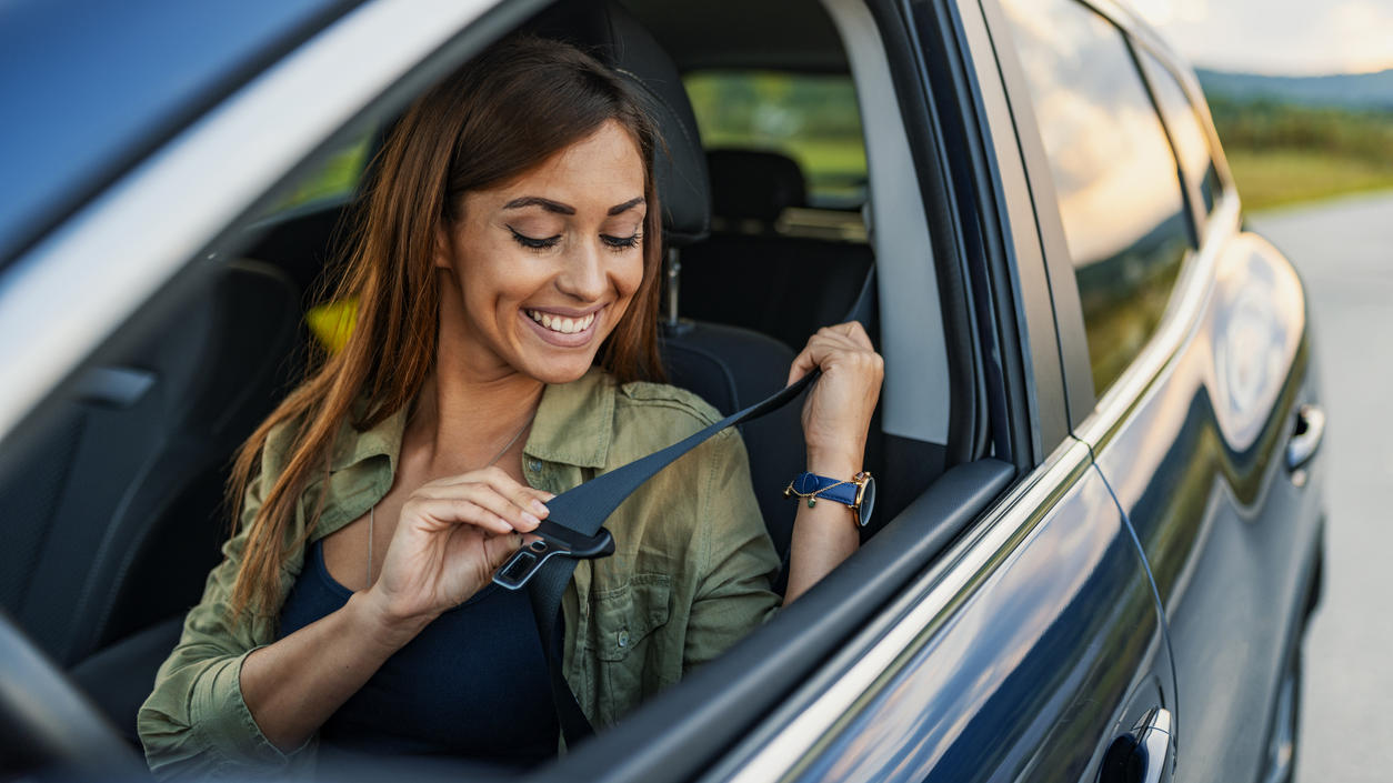 Wofür die Schlaufe am Sicherheitsgurt wirklich da ist, wissen viele Autofahrer nicht.