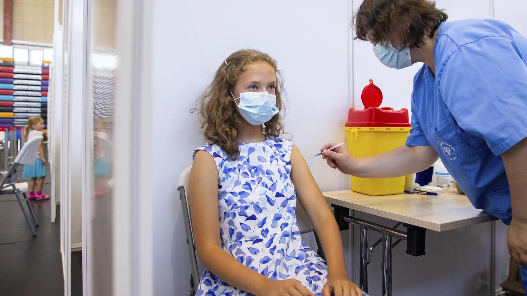 Nach den Beschlüssen der Gesundheitsministerkonferenz sollen nun auch Kinder- und Jugendliche ein verstärktes Impfangebot erhalten.