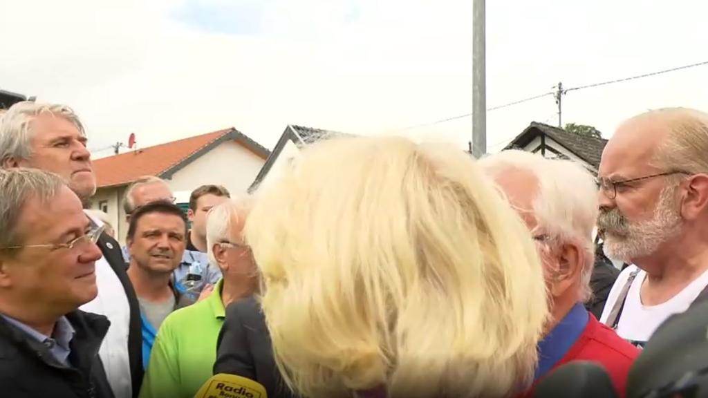 Armin Laschet im Hochwassergebiet in Swisttal