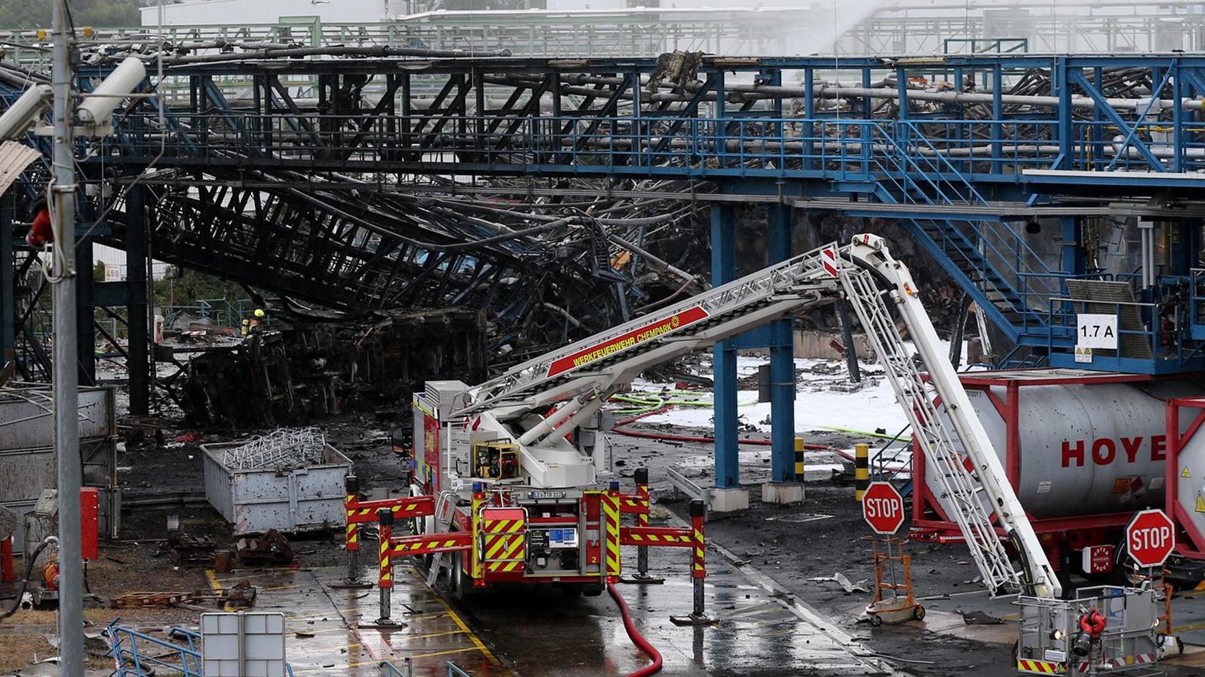 Nach der Explosion im Leverkusener Chempark wurde ein weiterer Toter gefunden.