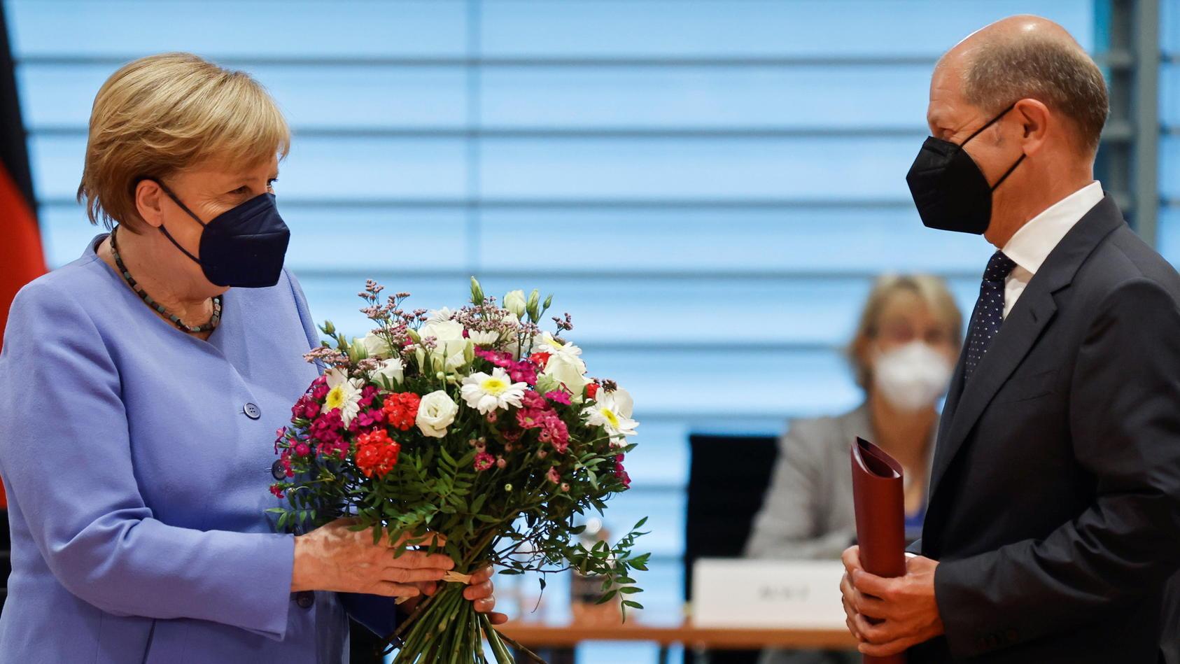 """Die SPD zieht mit der Strategie""""Merkel ohne Merkel"""" in den Wahlkampf, meint STERN-Hauptstadtbüro-Leiter Horst von Buttlar."""