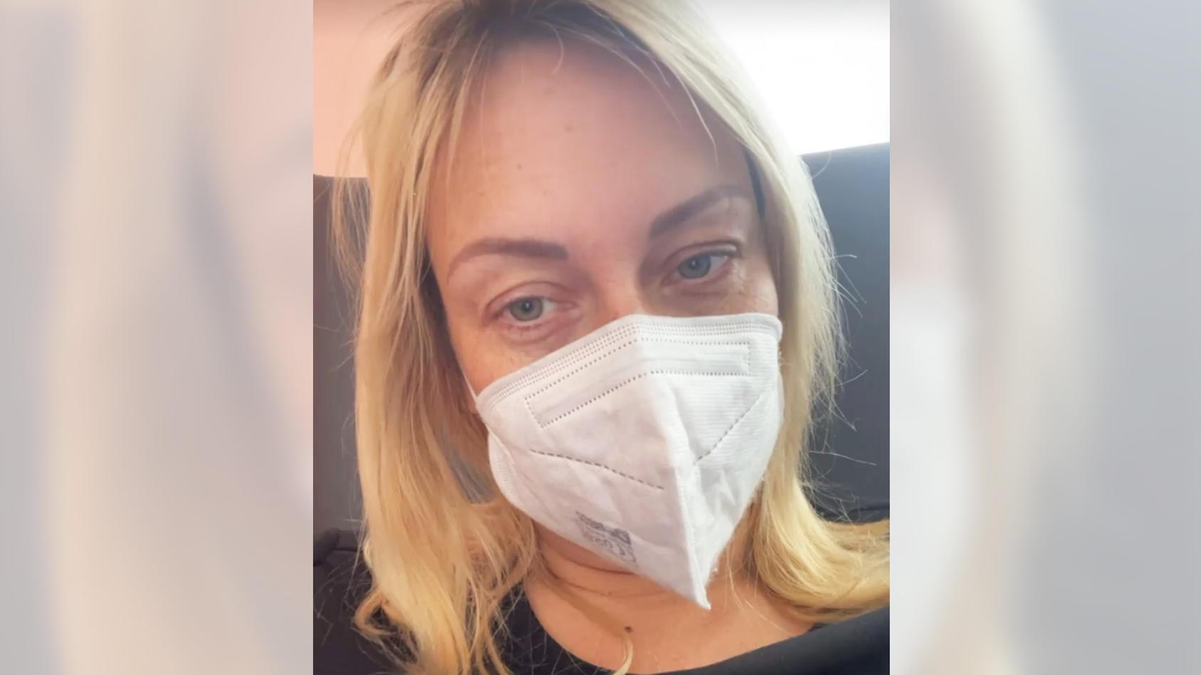 Influencerin Julia Holz hält ihre Follower bezüglich ihrer Krebserkrankung mit regelmäßigen Posts auf dem Laufenden.