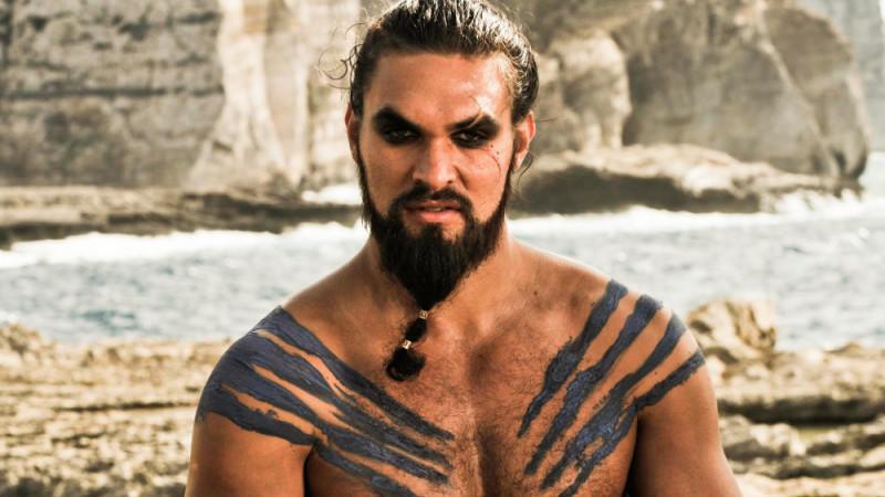 Jason Momoa als Khal Drogo
