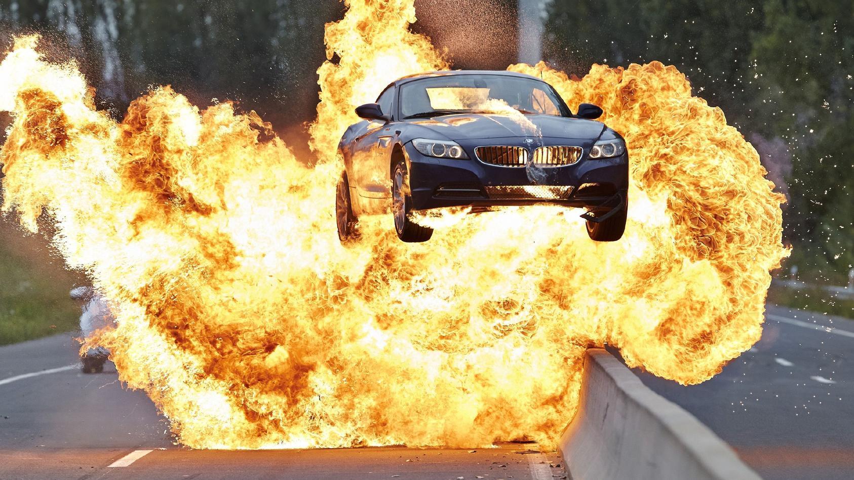 Mit ein bisschen Glück wird dein Auto bei der Cobra in die Luft gesprengt.