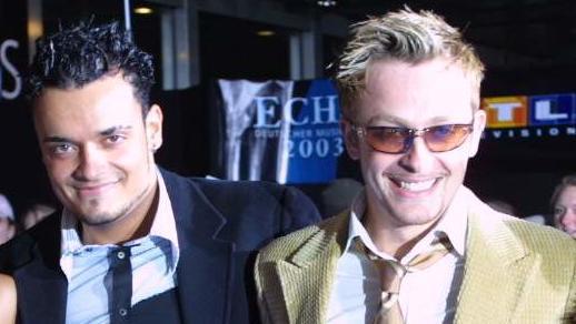 Die Mitglieder der Popgruppe 'Bro'Sis', (l-r) Shaham, Indira, Giovanni, Ross, Hila und Faiz bei der Echo-Verleihung im Berliner Internationalen Congress Centrum am 15.02.2003.