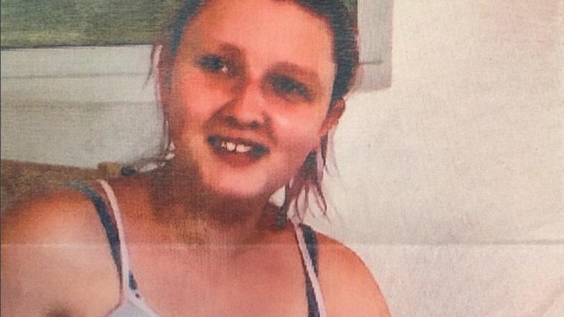 Die Polizei sucht mit einem Foto nach der vermissten Tamara P. und ihrem vier Monate alten Baby.