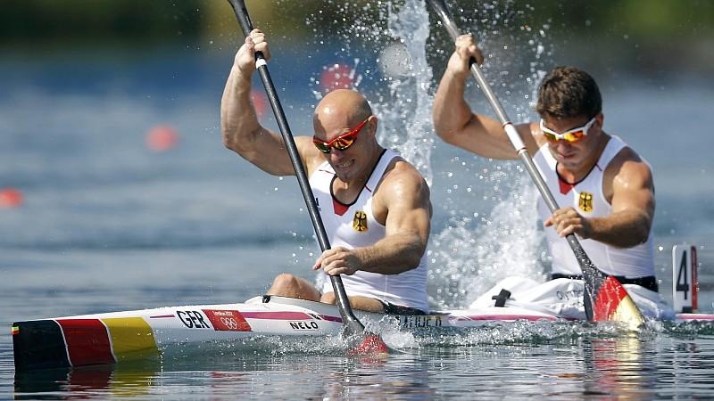 Germany's Ronald Rauhe and Jonas Ems compete in the men's kayak double (K2) 200m semifinal at the Eton Dorney during the London 2012 Olympic Games August 10, 2012. REUTERS/Darren Whiteside (BRITAIN  - Tags: OLYMPICS SPORT CANOEING)