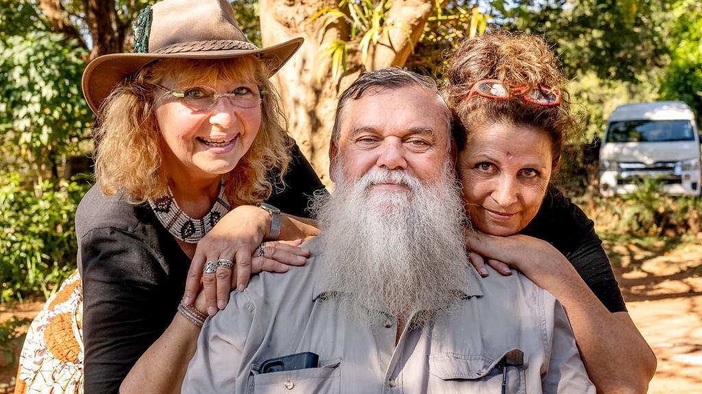 Bauer sucht Frau International: Werner aus Südafrika mit Karin aus Hessen und Conny aus Baden-Württemberg