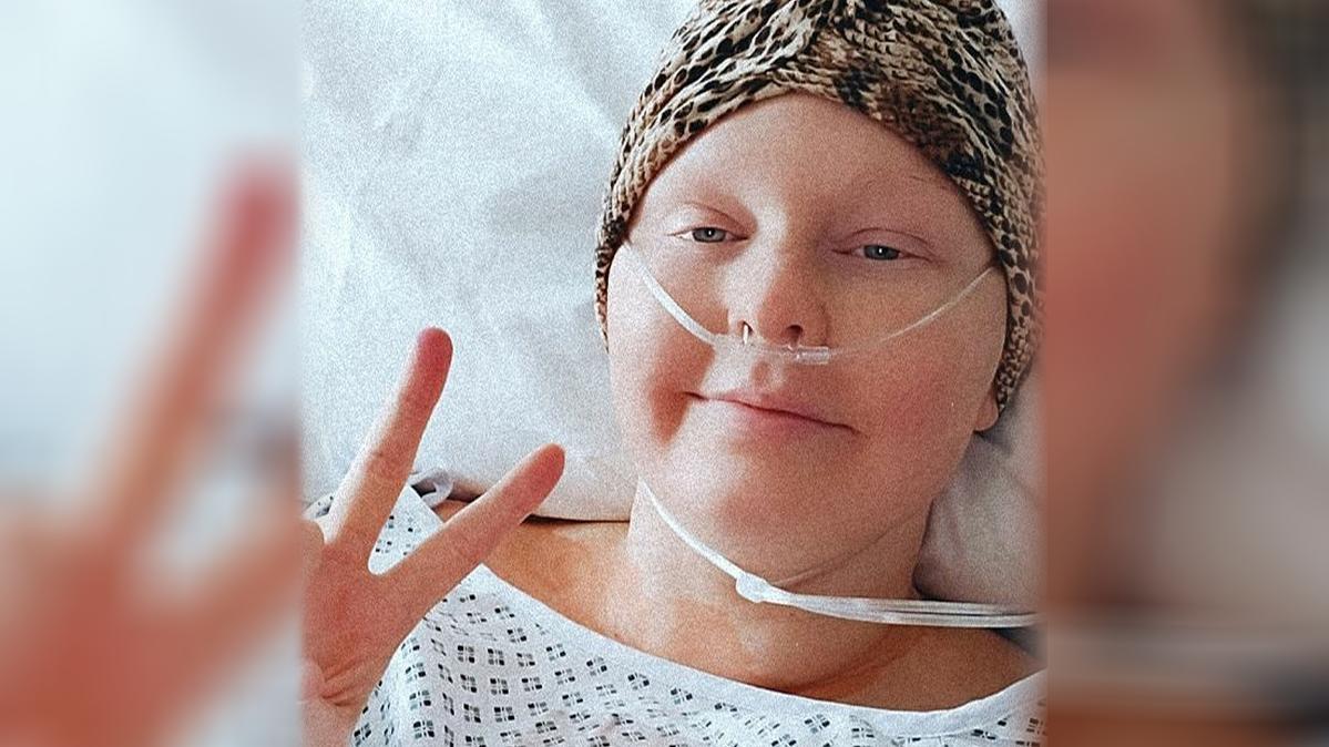 """""""Selbstbräuner rettete mein Leben"""" - Lorna Cobb bekam mit gerade einmal 29 Jahren Brustkrebs."""