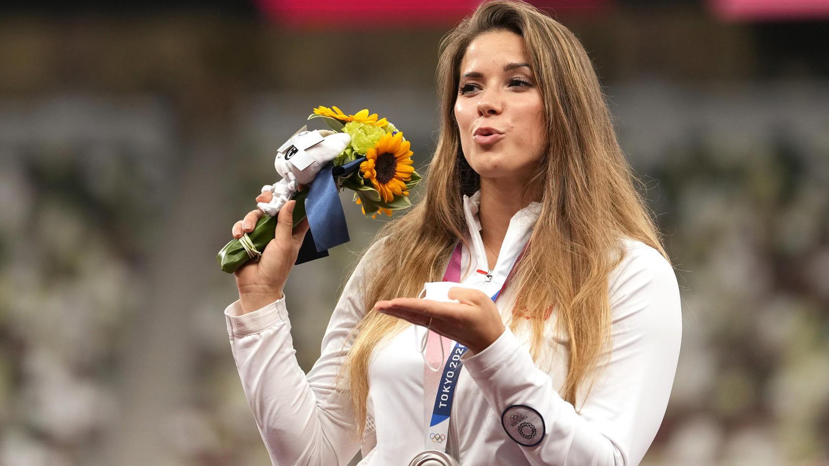 Maria Andrejczyk gewann Silber in Tokio im Speerwurf.