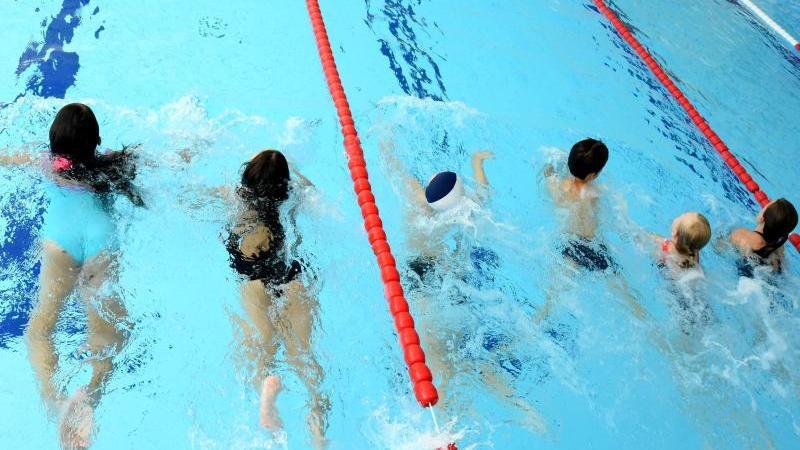 Schwimmunterricht ist auch corona-bedingt häufig ausgefallen.