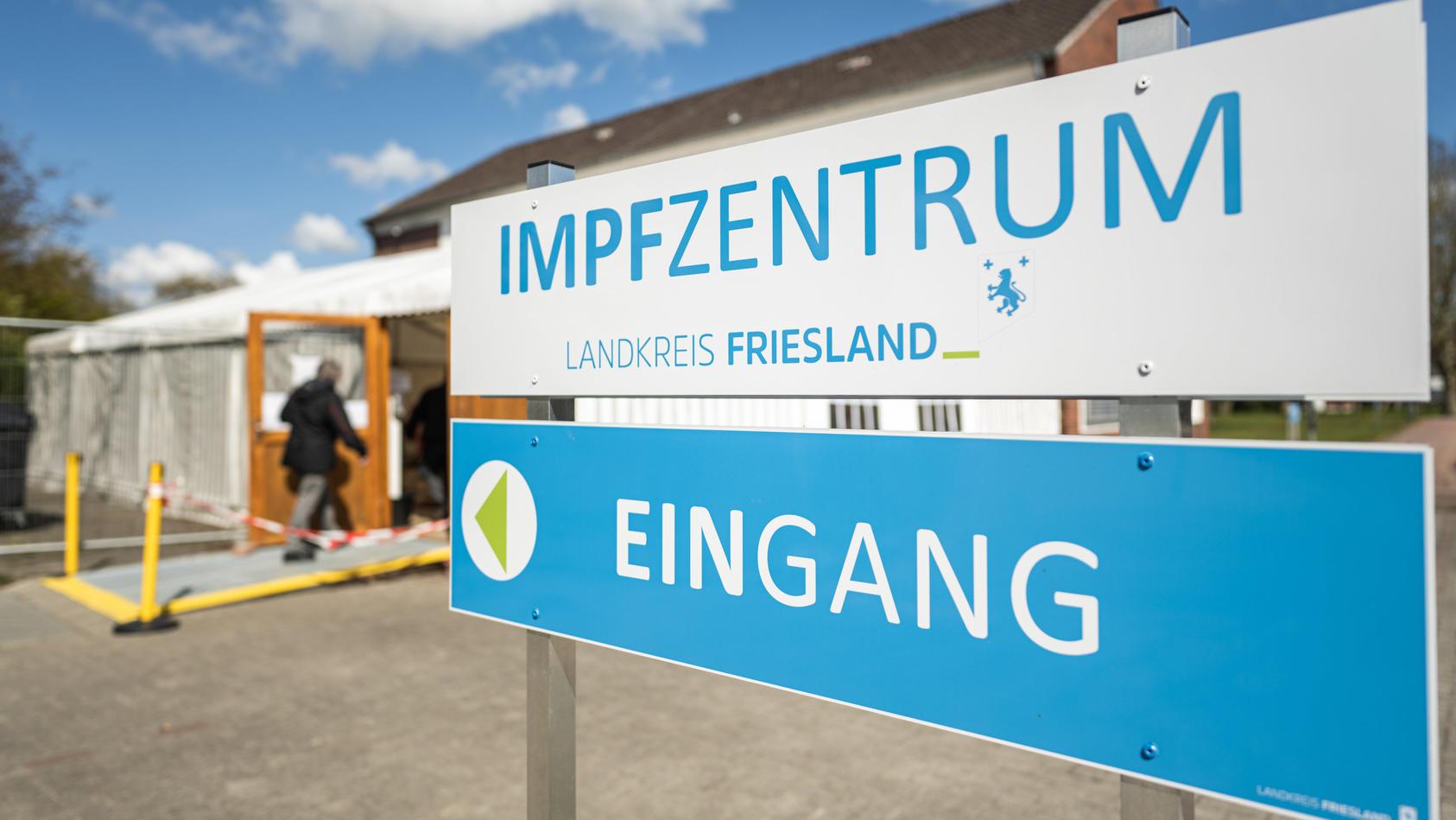 In einem Impfzentrum in Friesland bekamen einige Bürger Kochsalzlösung statt Corona-Impfstoff.