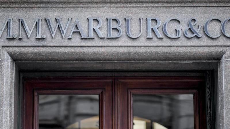 """In die """"Cum Ex""""-Geschäfte war auch die Hamburger Privatbank M. M. Warburg verwickelt. Foto: Axel Heimken/dpa/Archivbild"""