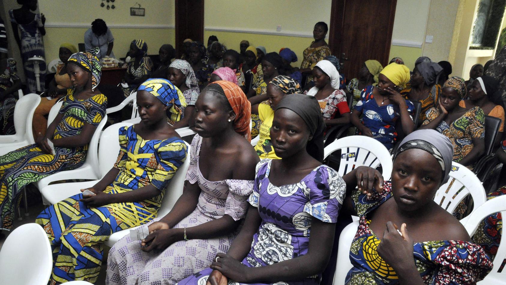 Archivfoto vom 7. Mai 2017: Chibok-Schulmädchen, die aus der Gefangenschaft von Boko-Haram-Extremisten befreit wurden (Symbolfoto)
