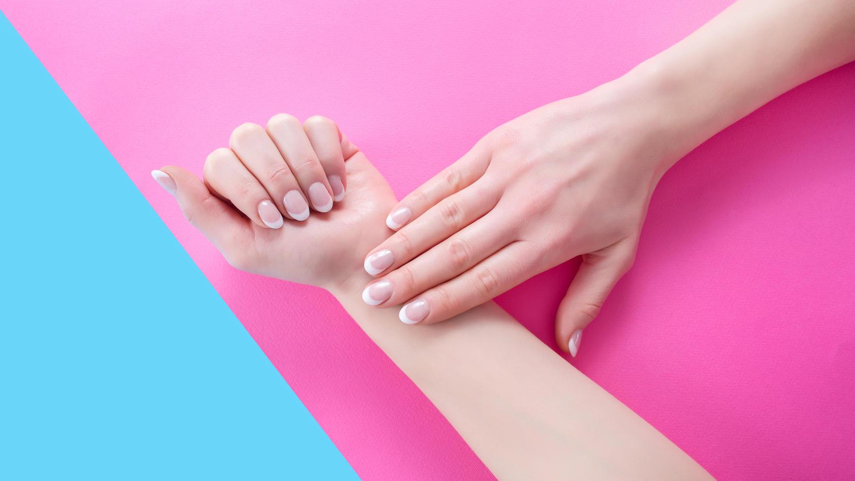 French Nails: Mit diesem Trick gelingen sie jetzt immer.