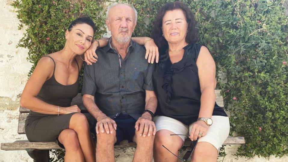 Nazan Eckes mit ihren Eltern.