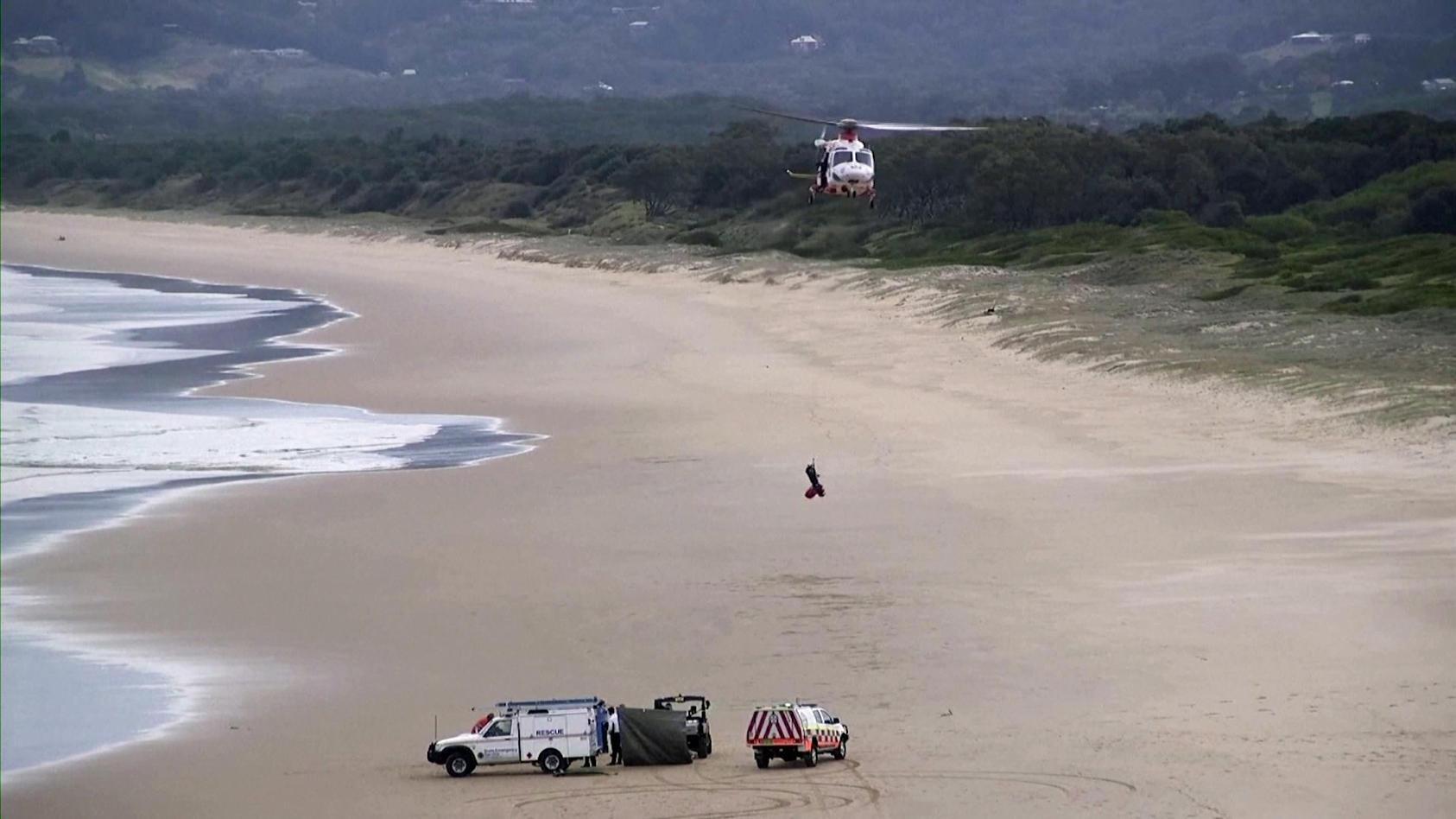 Die die herbeigerufenen Sanitäter konnten den Surfer nicht mehr wiederbeleben. (Foto: Reuters)