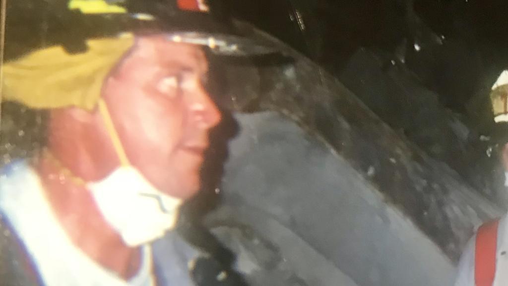 Rich Roeill nach den Anschlägen vom 11. September 2001 in New York,  im Einsatz als Feuerwehrmann am Ground Zero.