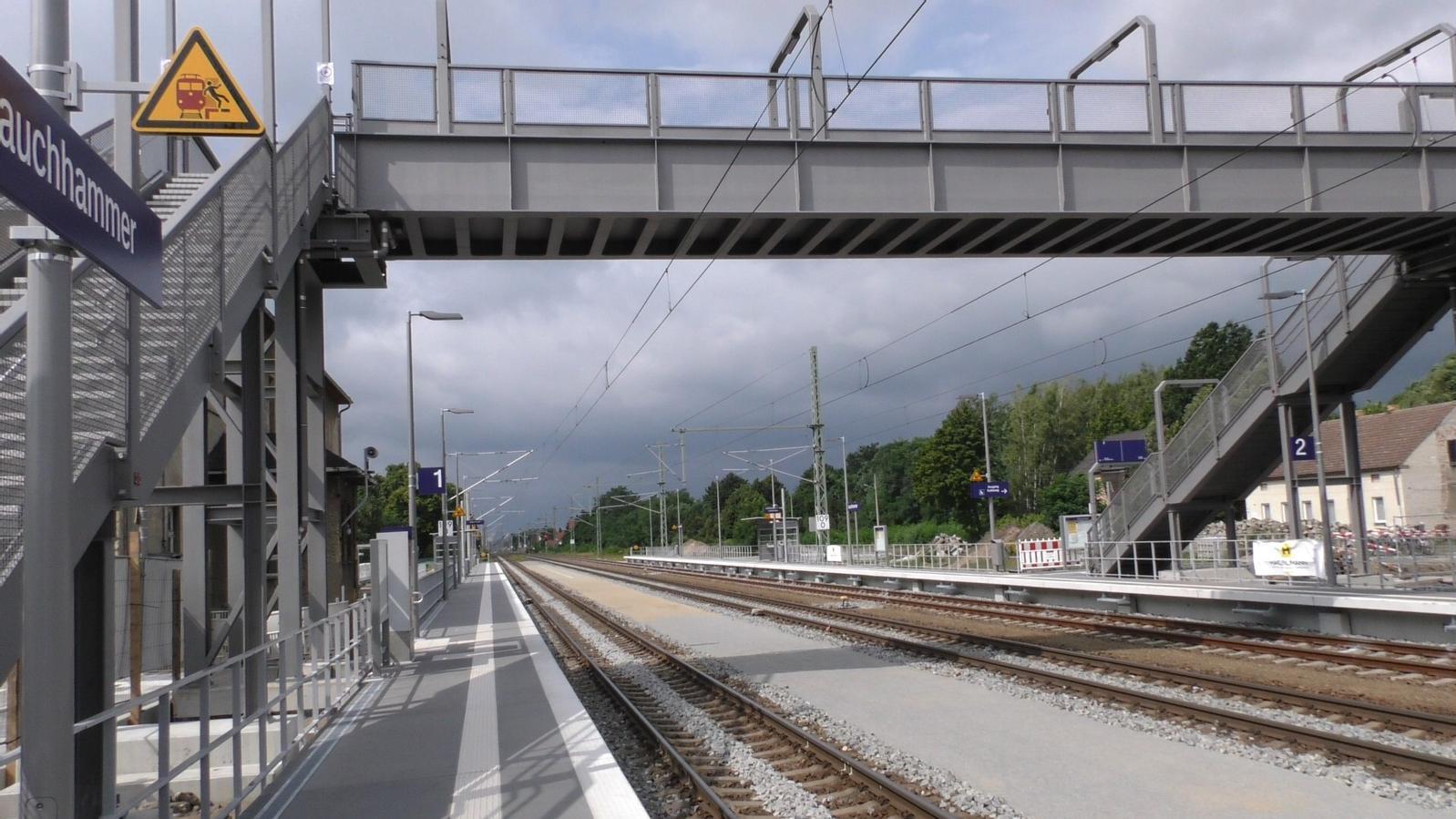 Diese Fußgängerbrücke hat keinen Blitzableiter und wird so zur Gefahr für Reisende. ©Stadt Lauchhammer