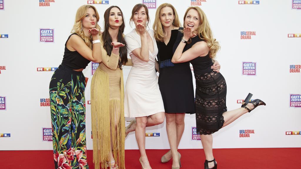 V.l.: Susan Sideropoulos, Sila Sahin, Maike von Bremen, Kristin Meyer, Natalie Alison