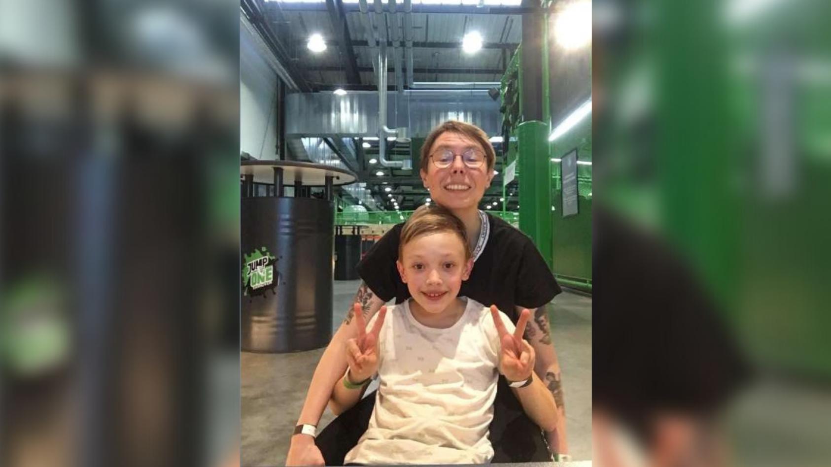 Die Polizei Hannover sucht mit diesem Foto nach Franziska T. und ihrem Sohn Antonio G.