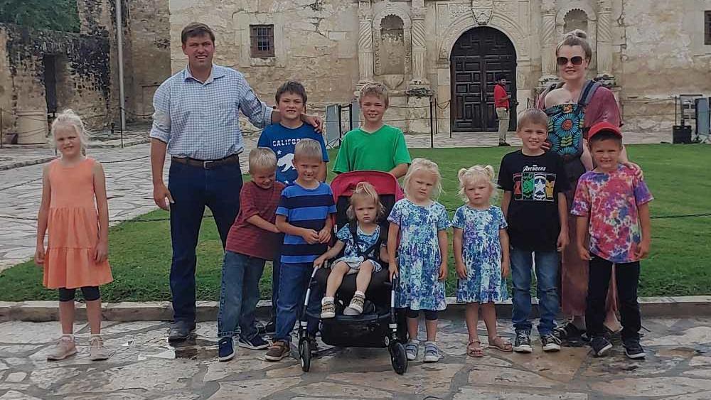 Ja, da darf man schon mal staunen! Während andere in dem Alter erst mit der Familienplanung loslegen, haben die Rogers schon elf Kinder - und Nummer zwölf ist unterwegs!