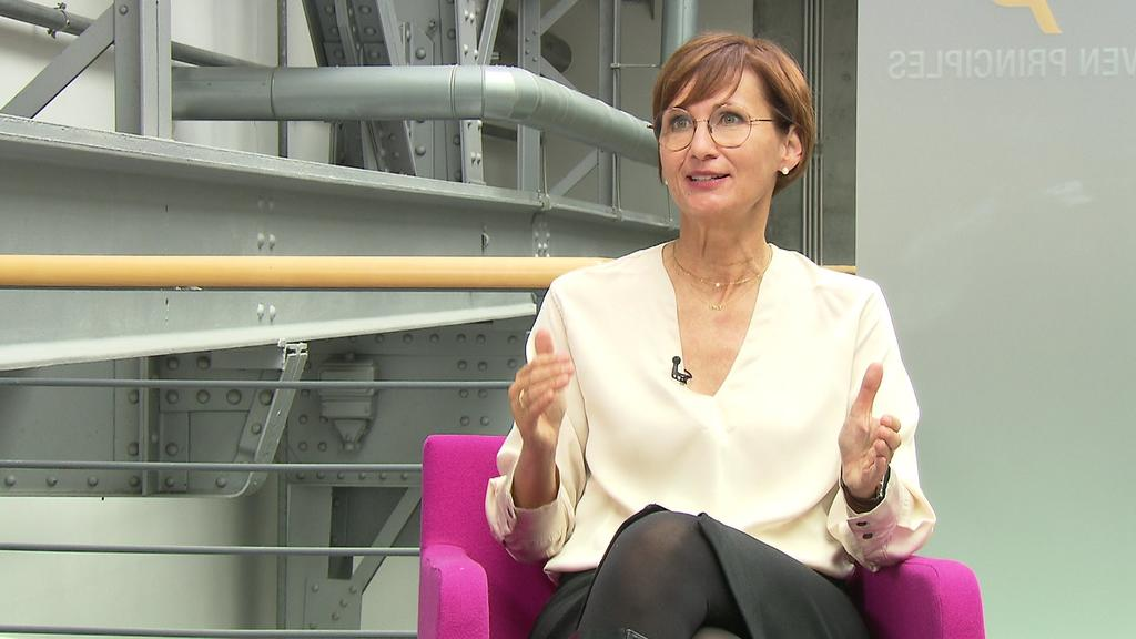 Hessens FDP-Spitzenkandidatin Bettina Stark-Watzinger will Entscheidungen des Bundestages für Bürger nachvollziehbarer machen.