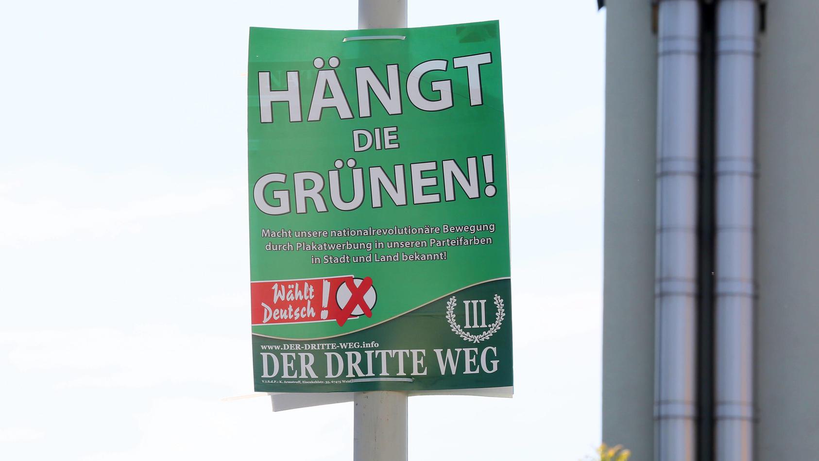 In Sachsen dürfen die umstrittenen Plakate vorerst hängen bleiben