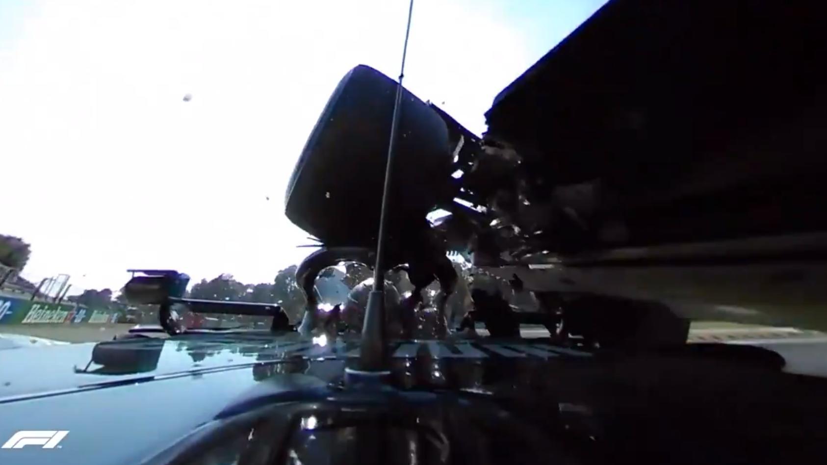 Die 360-Grad-Kamera in Lewis Hamiltons Mercedes fing den Crash des Briten mit Max Verstappen in Monza aus nächster Nähe ein.