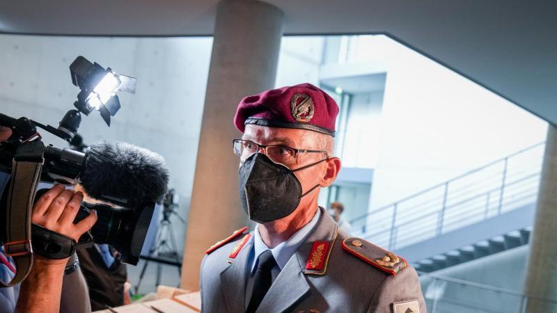 Jens Arlt, Brigadegeneral, bei einem Interview. Foto: Kay Nietfeld/dpa