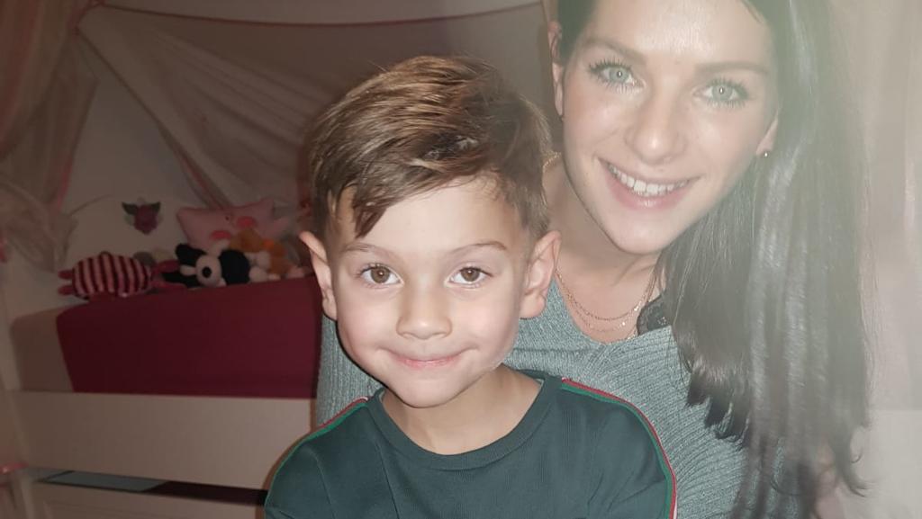Ein starkes Team: Der sechsjährige Finn und seine Mutter Nicole, die ihn bei allem unterstützt.
