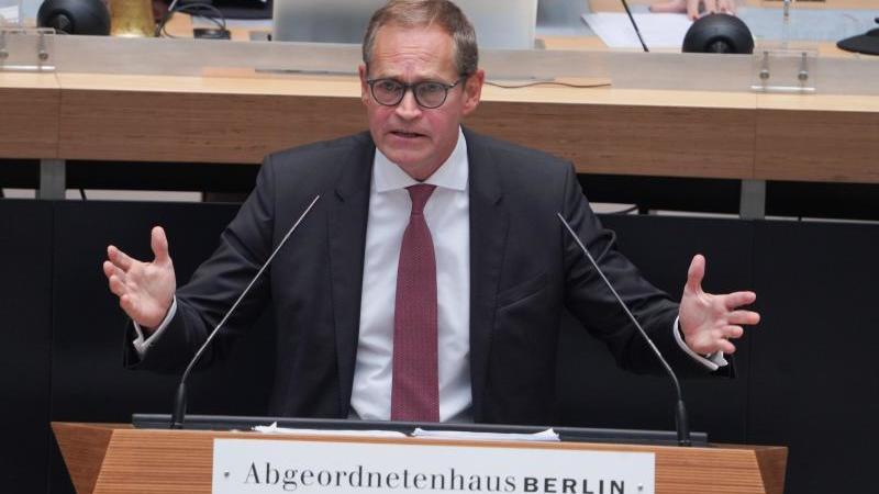 Michael Müller (SPD), Regierender Bürgermeister vonBerlin, spricht bei der letzten Plenarsitzung vor der Wahl im Berliner Abgeordnetenhaus. Foto: Jörg Carstensen/dpa