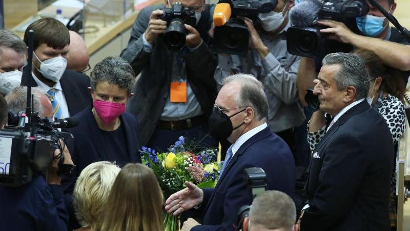 Reiner Haseloff (CDU, M) im Landtag. Foto: Ronny Hartmann/dpa