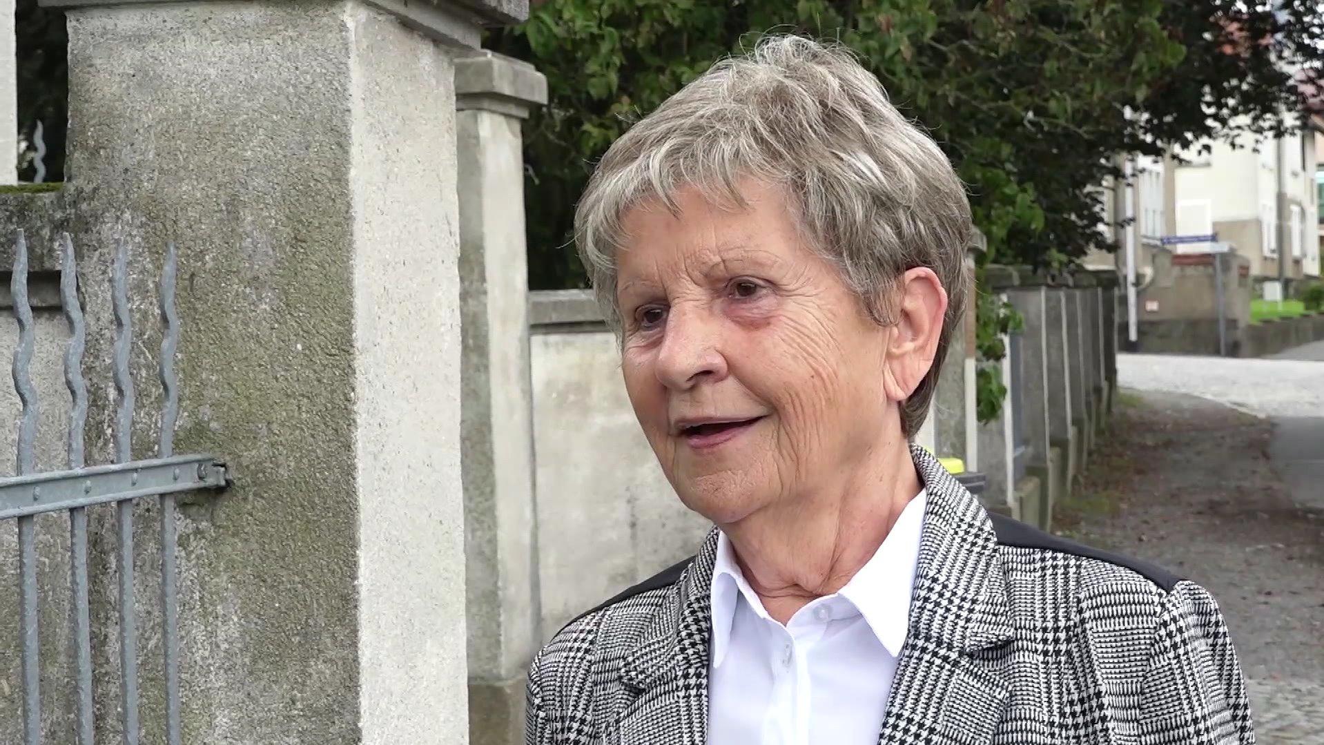 Eine Anwohnerin aus Großröhrsdorf hat Angst um ihre Enkel.