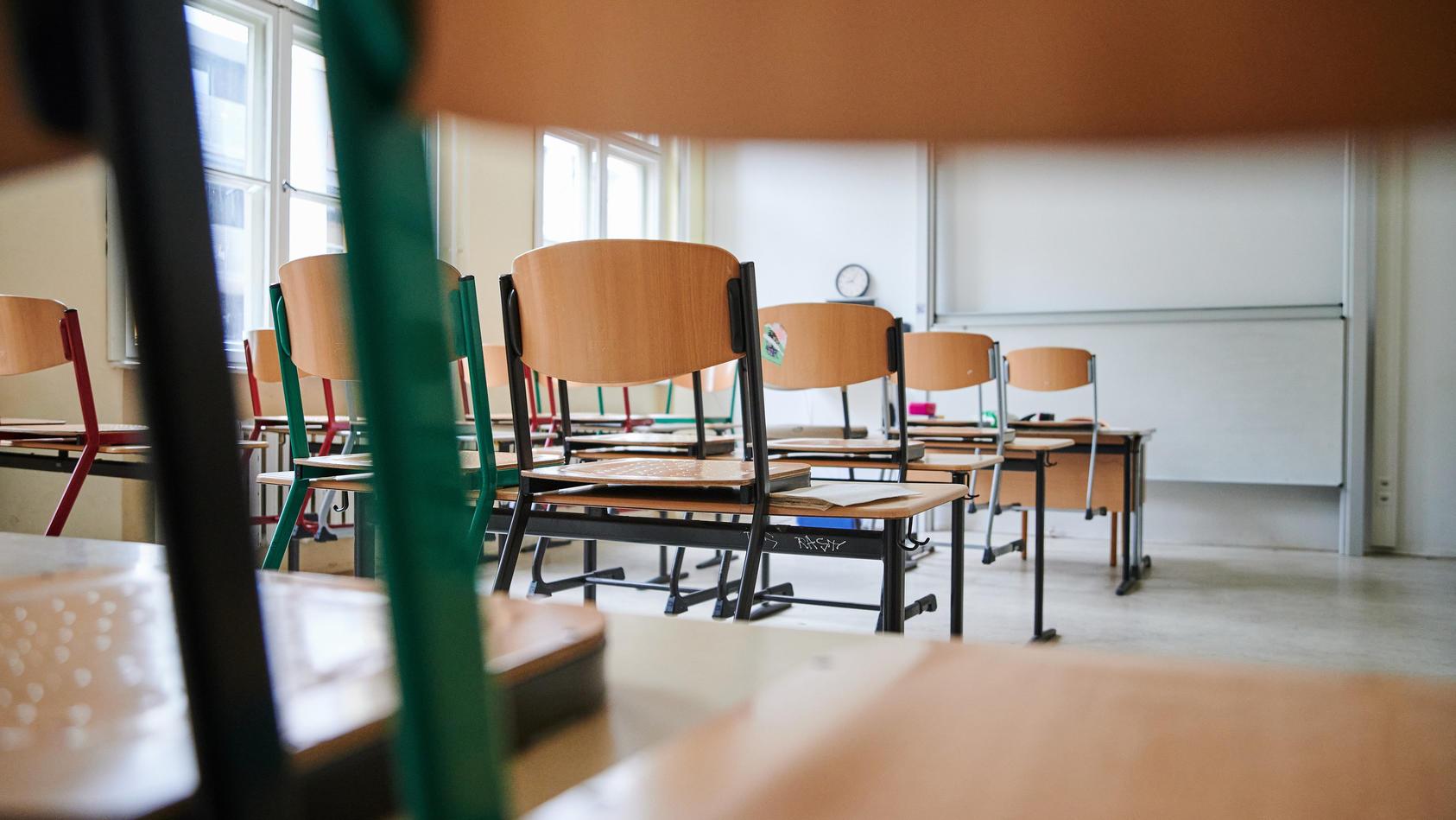 Laut der aktuellen OECD-Studie war der Unterricht seit Beginn der Corona-Pandemie bis zum Auslaufen der Schulschließungen im Frühjahr im Schnitt an mehr als 180 Tagen gestört.