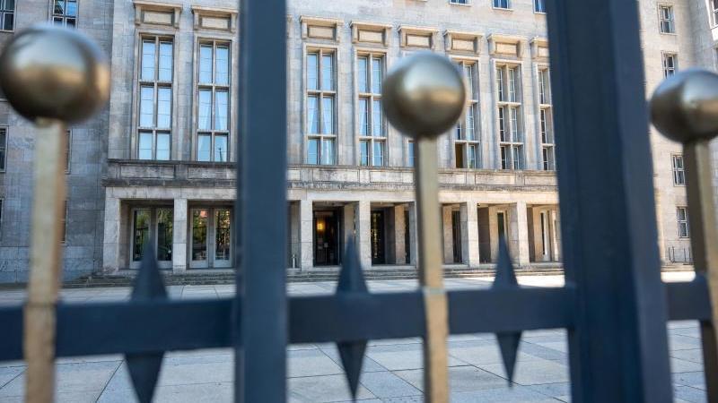 Am 9. September wurden niedersächsische Ermittler im Bundesfinanz- und im Bundesjustizministerium vorstellig. Foto: Christophe Gateau/dpa