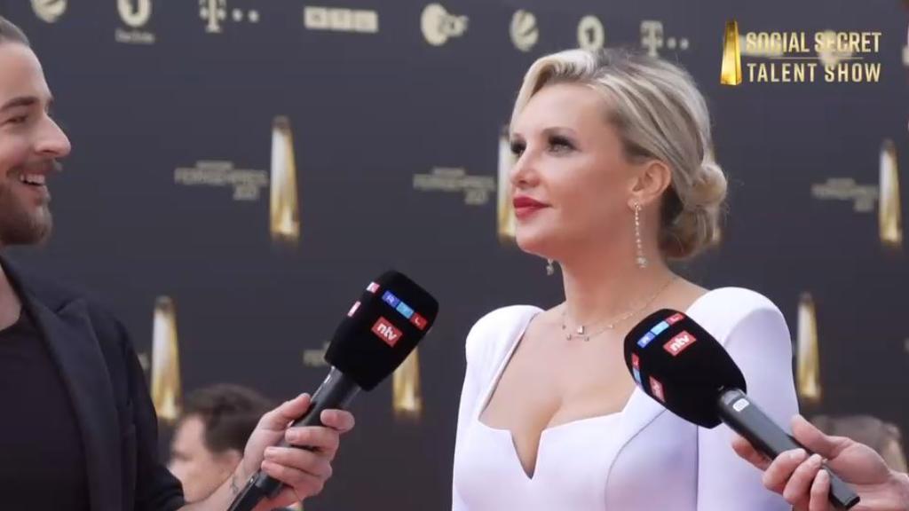 """Evelyn Burdecki beim """"Deutschen Fernsehpreis"""" 2021"""