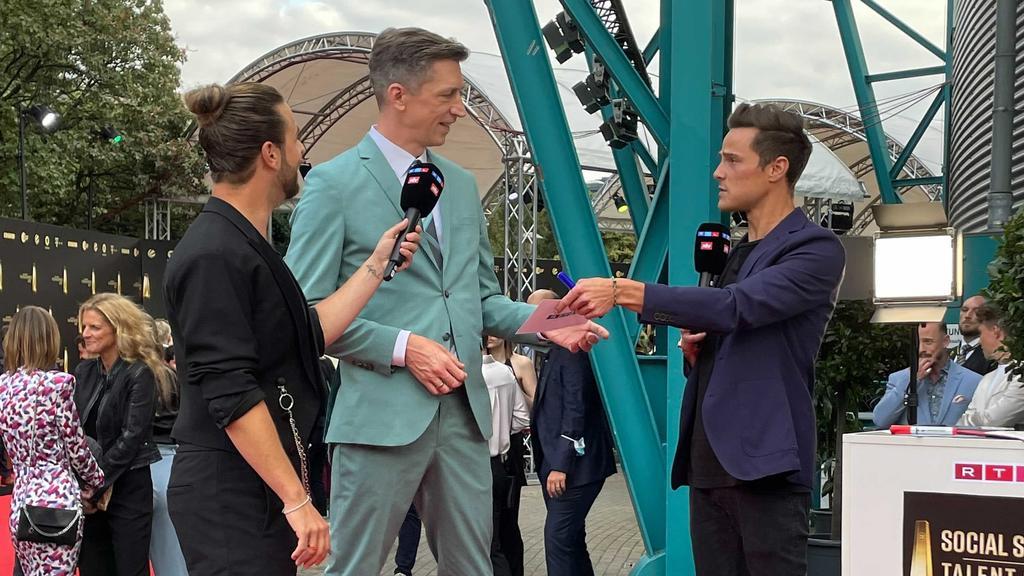 """Steffen Hallaschka beim """"Deutschen Fernsehpreis"""" 2021"""