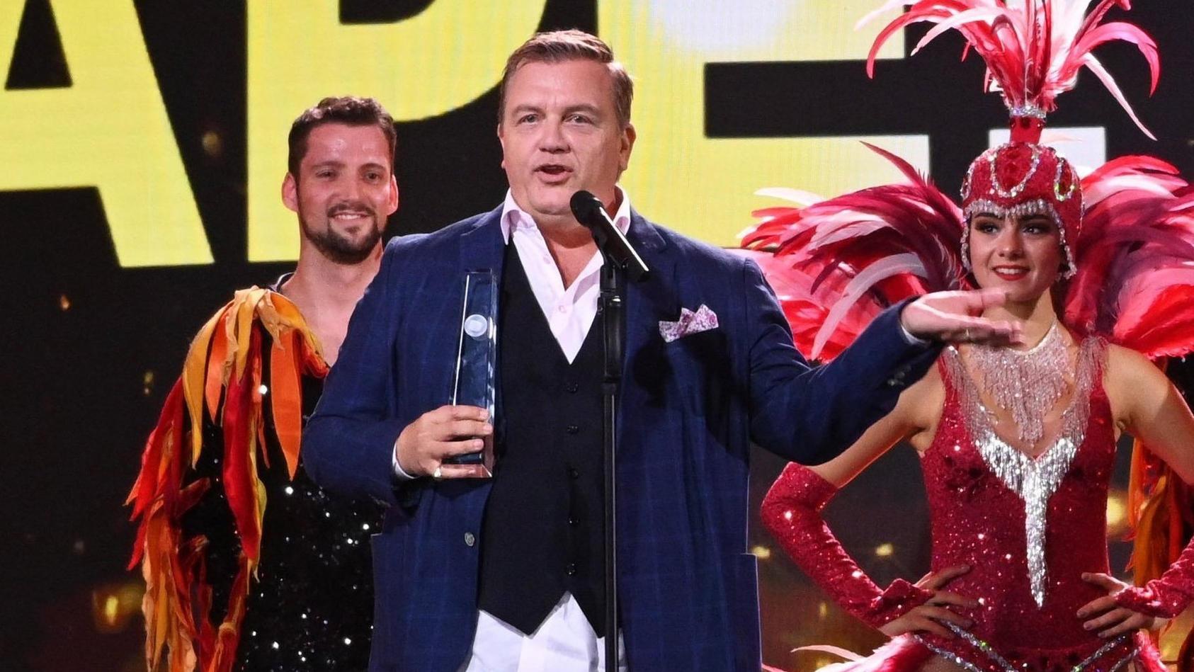 Entertainer Hape Kerkeling widmet seinen Ehrenpreis einer ganz besonderen Community.
