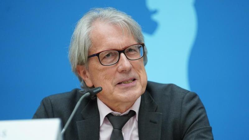 Matthias Kollatz (SPD)spricht. Foto: Jörg Carstensen/dpa/Archivbild